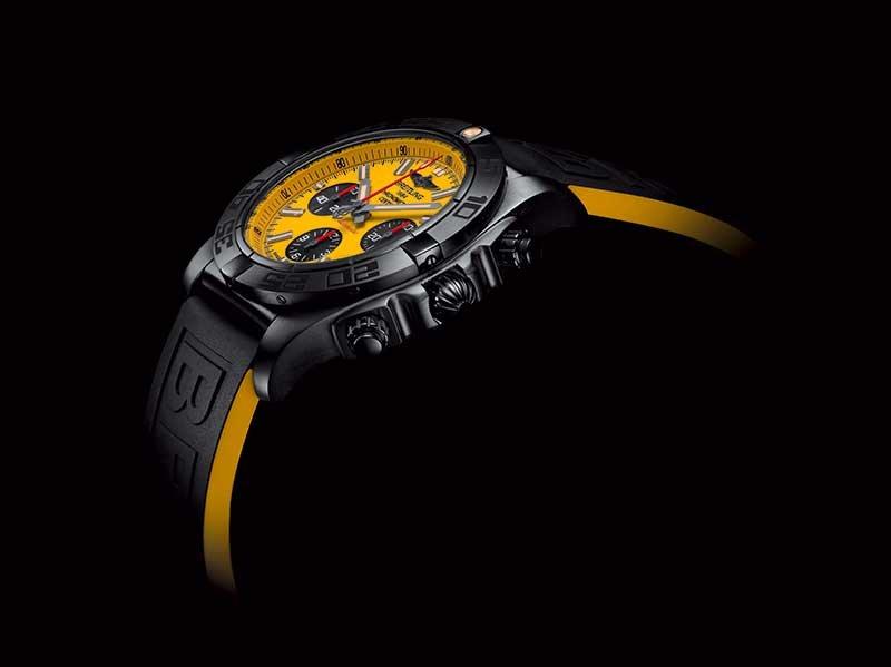 Chronomat-44-Blacksteel-Special-Edition_02_MilanoPlatinum