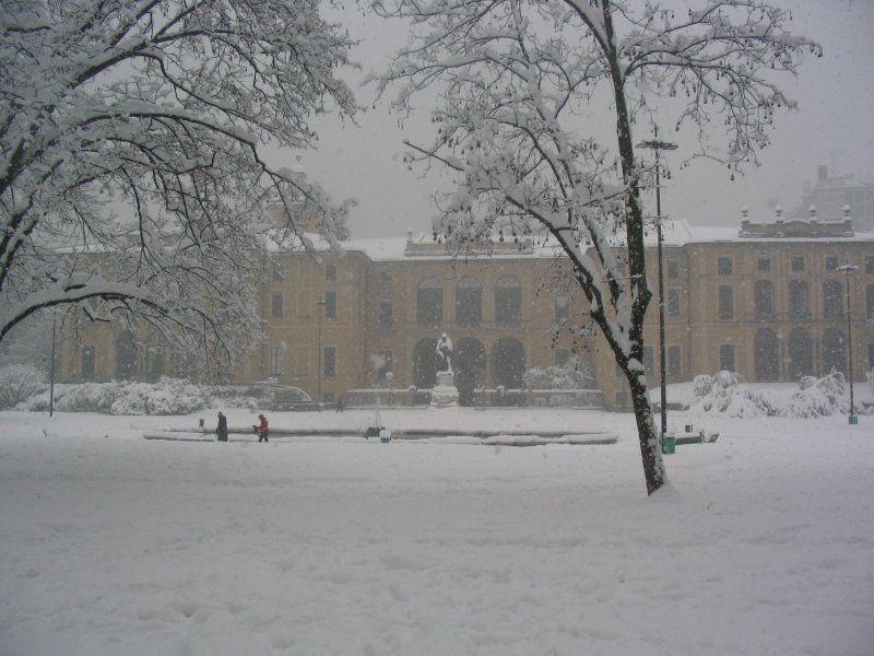 Palazzo Dugnani - By Bloodyowl (Own work) [Public domain], via Wikimedia Commons
