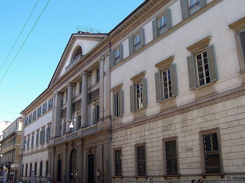 Palazzo Serbelloni - By Geobia (Own work) [CC BY-SA 3.0], via Wikimedia Commons