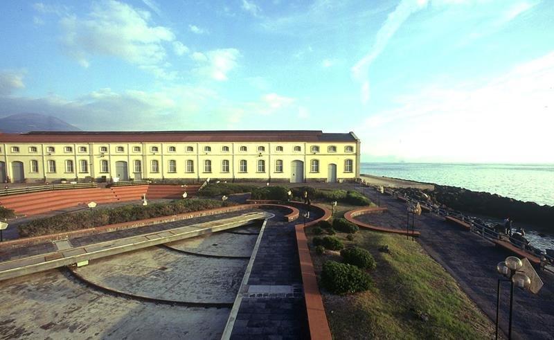Veduta esterna del museo di Pietrarsa