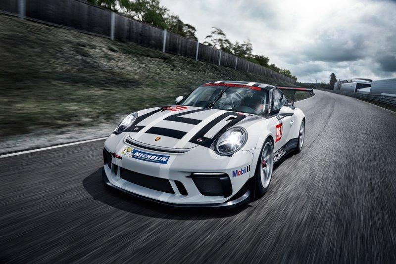 Nuova Porsche 911 GT3 Cup debutta al Salone di Parigi_frontale_MilanoPlatinum