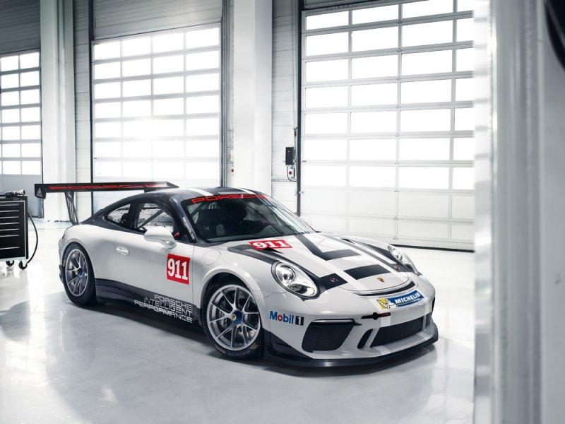 Nuova Porsche 911 GT3 Cup debutta al Salone di Parigi_vista anteriore_MilanoPlatinum