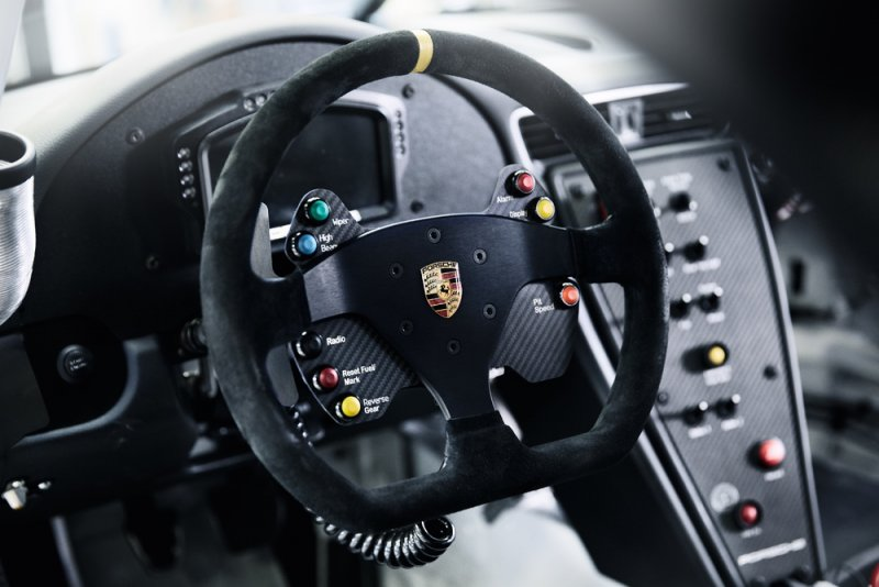 Nuova Porsche 911 GT3 Cup debutta al Salone di Parigi_volante_MilanoPlatinum