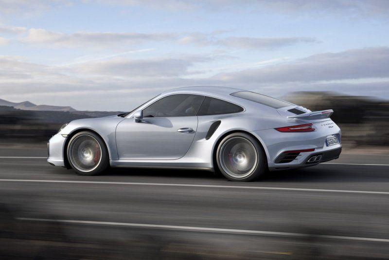A gennaio il debutto della nuova Porsche 911 Turbo e 911 Turbo S_grigia_MilanoPlatinum