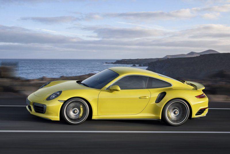 A gennaio il debutto della nuova Porsche 911 Turbo e 911 Turbo S_lato sx_MilanoPlatinum