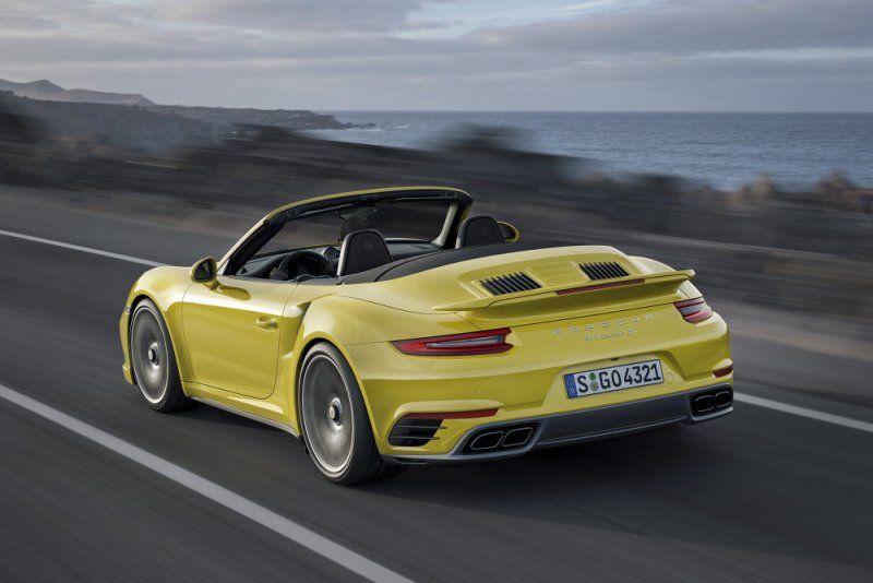 A gennaio il debutto della nuova Porsche 911 Turbo e 911 Turbo S_lato_MilanoPlatinum