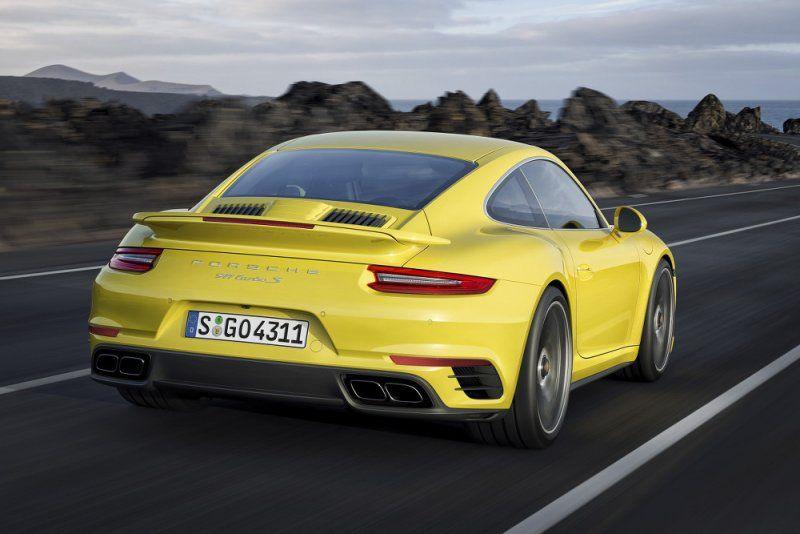A gennaio il debutto della nuova Porsche 911 Turbo e 911 Turbo S_retro_MilanoPlatinum
