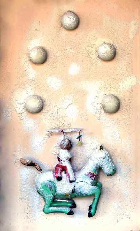 SCULTURA NEVE - CIRCO CINESE, 1970  Neve artificiale, palline ping-pong, giocattoli su faesite Cm 55 x 35 x 10 Collezione privata