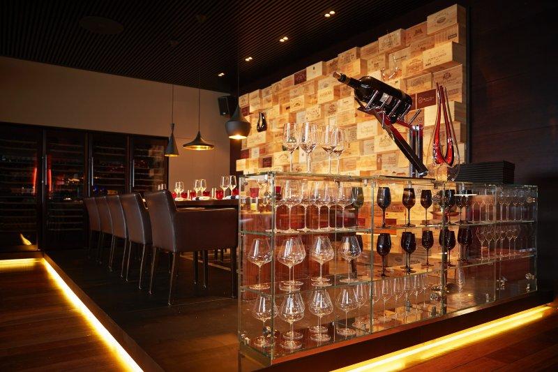 05.05_Seven-Lugano-The-restaurant_Anand-Gaggan-3