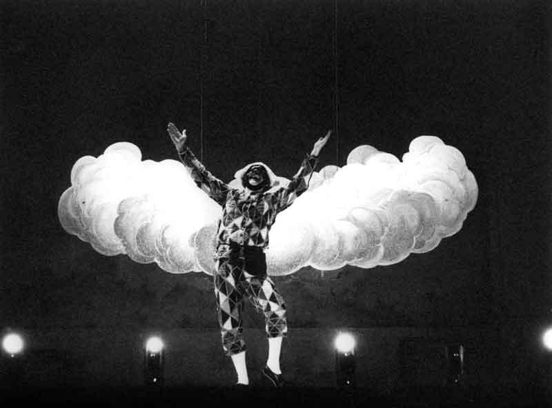 """Ferruccio Soleri (1977) in """"Arlecchino"""" © Luigi Ciminaghi / Archivio Piccolo Teatro di Milano"""