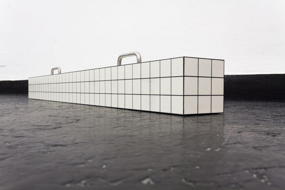 Mostra Super Superstudio_Superstudio, Istogramma da passeggio (1969), 2014 (foto di Francesco Cardarelli, courtesy pinksummer)_MilanoPlatinum