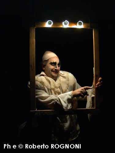 Teste tonde e teste a punta. Brecht al Teatro Leonardo