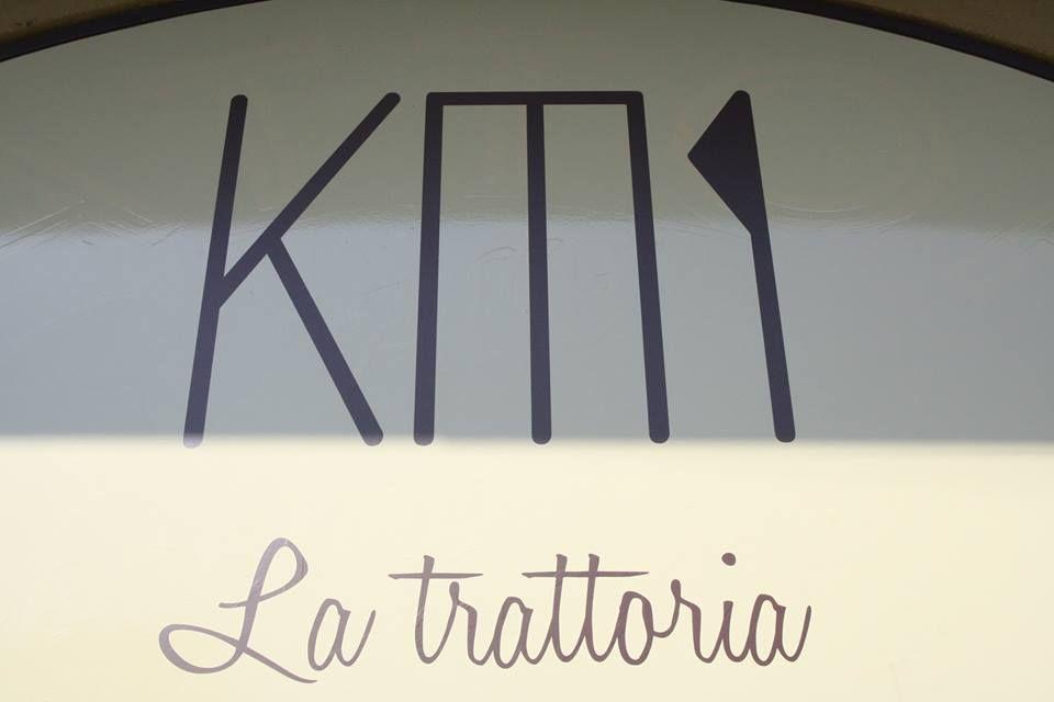 La Trattoria km1: guardare al futuro senza dimenticare la tradizione_insegna_MilanoPlatinum