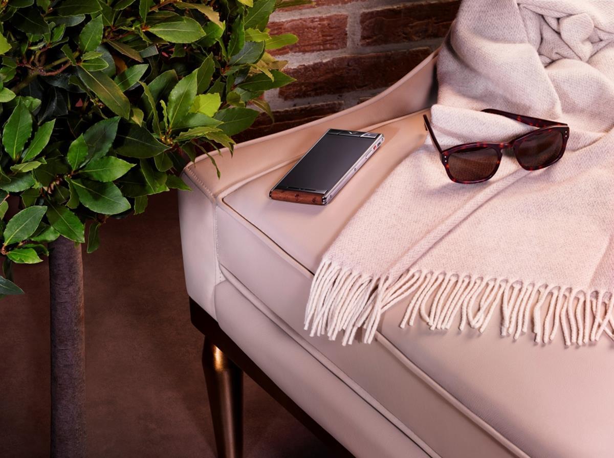 Vertu, lo spirito dello smartphone all'inglese_lifestyle_MilanoPlatinum