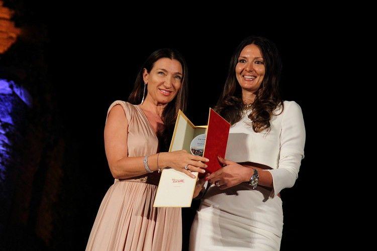 Fashion sì, ma sostenibile. Elisabetta Franchi riceve il Premio Moda e Sociale_premio_MilanoPlatinum