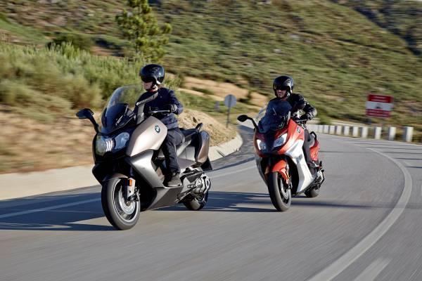 BMW C650 Sport e C 650 GT, maxi-scooter a confronto_GT e Sport insieme_MilanoPlatinum