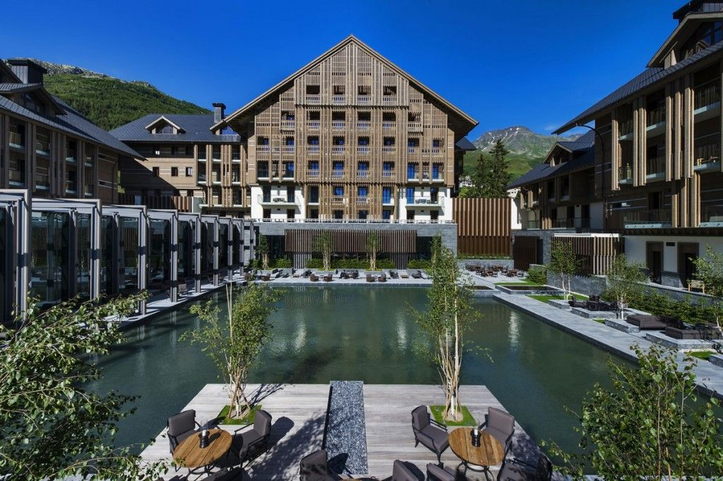 CAM-Dining-The-Courtyard-Day-Exterior-(NXPowerLite)