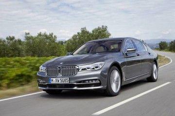 Piacere di guida e comfort di viaggio per la nuova BMW serie 7_fronte_MilanoPlatinum