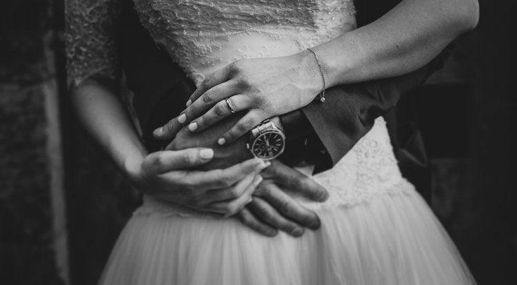 Matrimonio In Fotografia : Foto mani matrimonio dettagli di una comunicazione muta