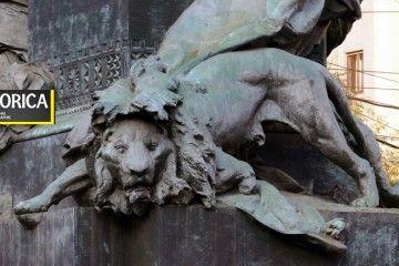 Il leone Borleo - monumento di Giuseppe Grandi in piazza Cinque Giornate