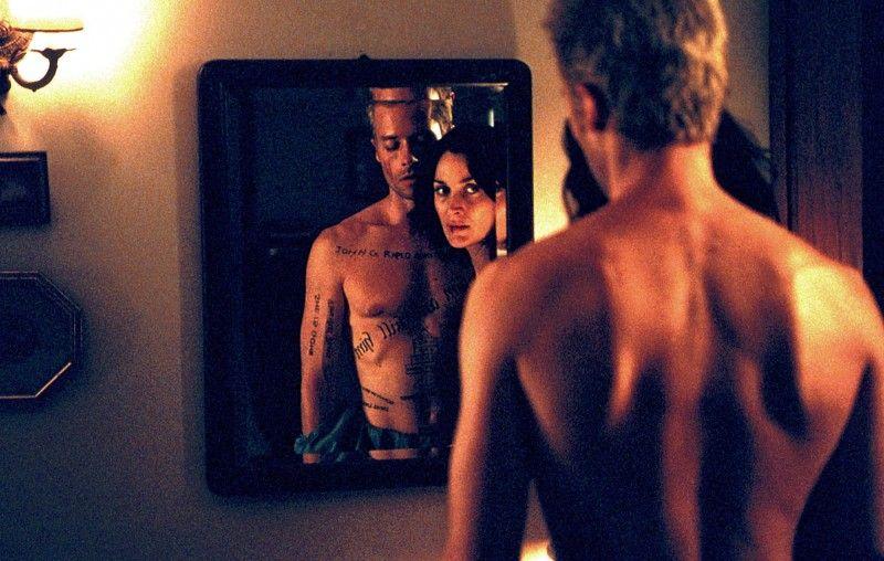 Memento - regia di Christopher Nolan, 2000