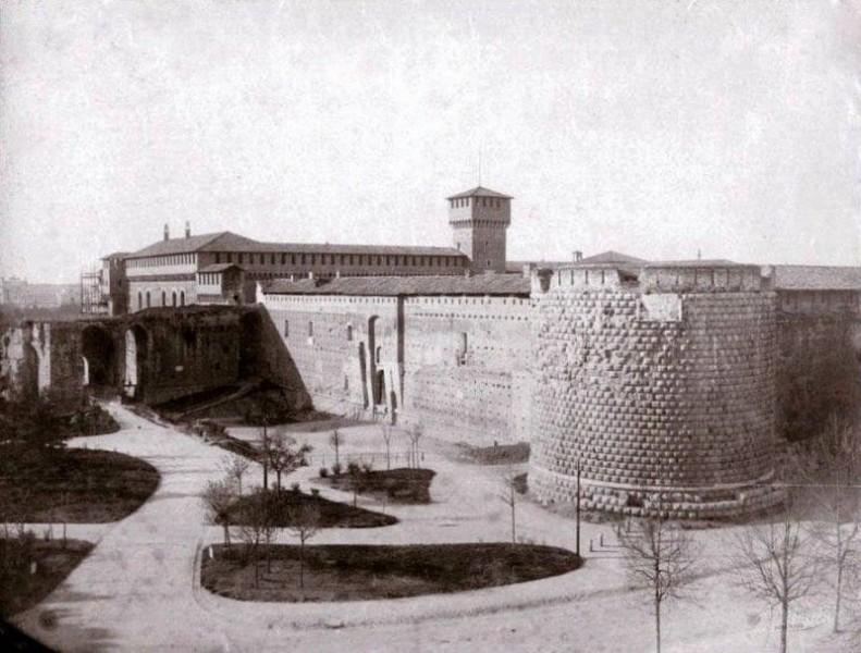 Castello Sforzesco (credits Milano Sparita e da Ricordare)