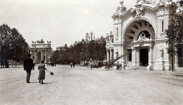 Expo Milano 1906 - Il padiglione delle arti decorative nei pressi dell'Arco della Pace (credits Milano Sparita e da Ricordare)