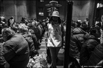 VOLONTARI PER LE FESTE - SENZA TETTO - Cena a Piazza Affari per 200 senza tetto con MIA-Milano in azione
