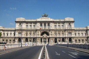 Case in comodato - Corte di Cassazione, Roma - Sergio D'Afflitto [CC BY-SA 3.0], via Wikimedia Commons