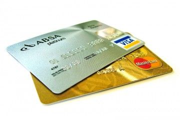 Truffe a mezzo bancomat - Credit-cards - By Lotus Head from Johannesburg, Gauteng, South Africa (sxc.hu) [GFDL, CC-BY-SA-3.0 or CC BY-SA 2.5-2.0-1.0]