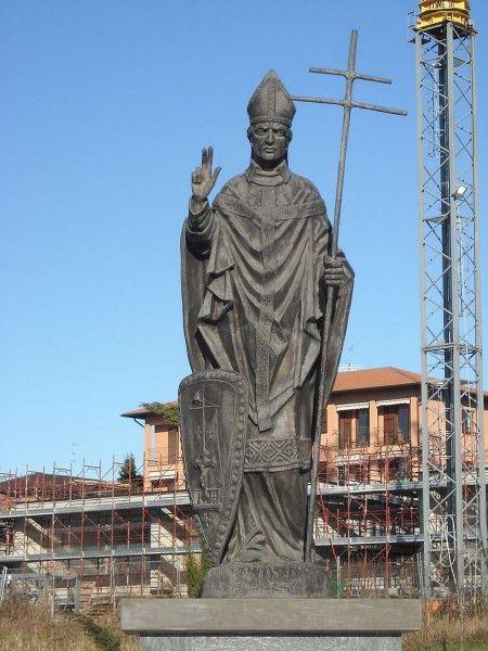 Ariberto da Intimiano, Intimiano, Como (Public Domain, via Wikimedia Commons)