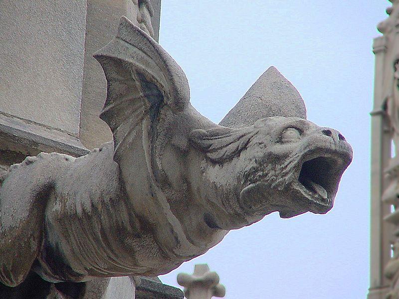 Gargolla a forma di drago, duomo di Milano - via Wikipedia