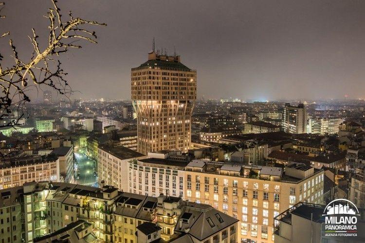 LE TORRI DI MILANO - La Torre Velasca di notte (credits Milano Panoramica)