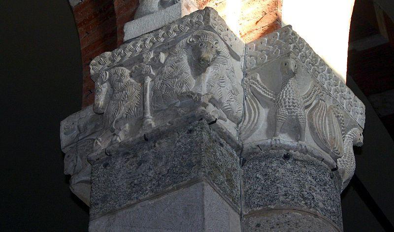 Milano - Sant'Ambrogio - Navata centrale - Capitello (sec. XII) - Public Domain