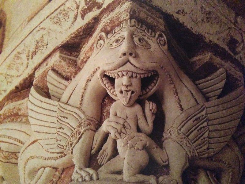 Mostro che divora un bambino, Chiesa di Saint-Pierre, XII secolo, Chauvigny