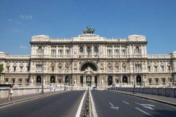 Risarcimento del danno - Roma, Palazzo di Giustizia - Sergio D'Afflitto [CC BY-SA 3.0], via Wikimedia Commons