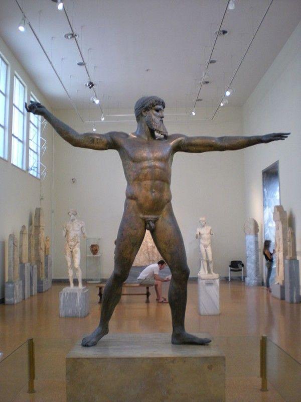 Statua di Zeus o Poseidone - Di Lillus (Opera propria) [Public domain], attraverso Wikimedia Commons