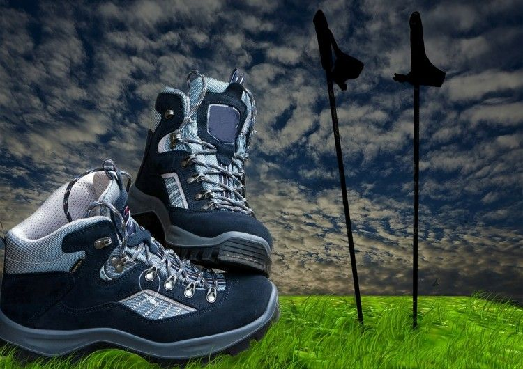 NORDIC WALKING - hiking-shoes-sticks-hiking-trekking-276794 [CC0 Public Domain] via pixabay.com