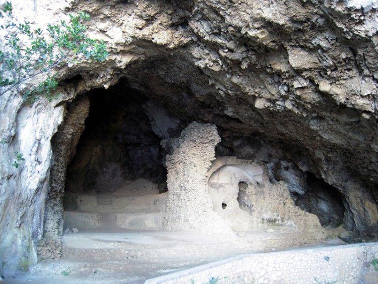 DALLA PIAZZETTA AL SOGNO. E RITORNO_grotta di matermania_MilanoPlatinum