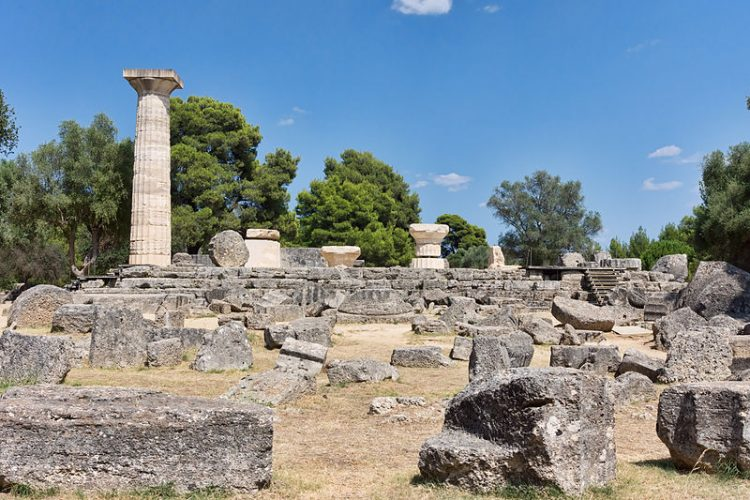 Fidia e lo Zeus di Olimpia - By Jean-Christophe BENOIST (Own work) [CC BY 3.0], via Wikimedia Commons