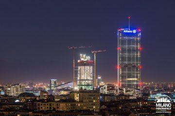 Il Dritto e lo Storto di notte (credits Milano Panoramica)