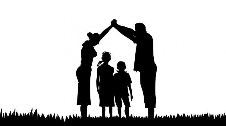 Mutuo famiglia - by waldryano, CC0 Public Domain via Pixabay