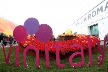 Vinitaly: il salone si estende in città