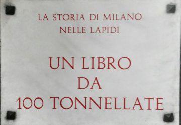 Milano nelle lapidi - Copertina del libro di Alberto Delfino edito dal Comune di Milano nel 1972