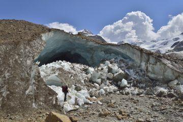 01 Porta glaciale del ghiacciaio dei Forni ph. Mauro Lanfranchi