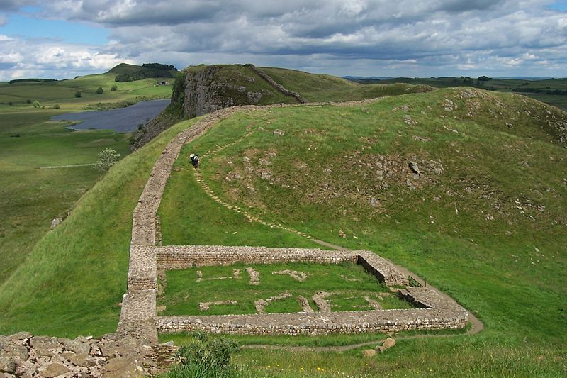 Milecastle 39 on Hadrian's Wall - By Adam Cuerden (Photograph by uploader) [Public domain], via Wikimedia Commons