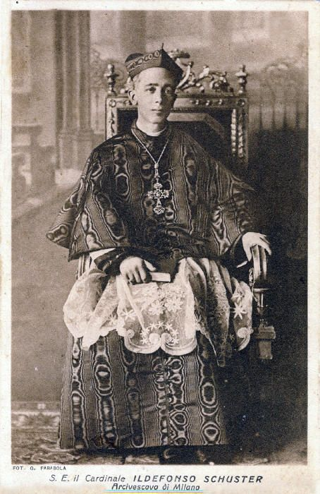 Il cardinale Schuster (public domain, via Wikimedia Commons).