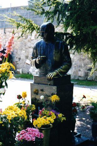 Tomba di Giuseppe Gervasini al Cimitero Monumentale (public domain, via Google Images).