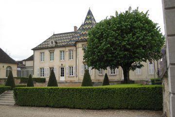 bouchard_pere_fils_004_par-arnaud-25-travail-personnel-cc-by-sa-3-0-via-wikimedia-commons