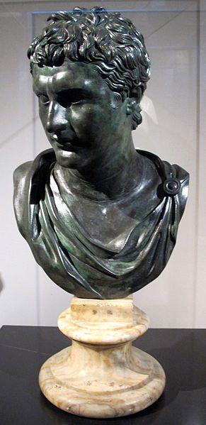 Eumene II, fondatore della biblioteca di Pergamo, copia romana (50 dc_ca) - Di Sailko (Opera propria) [CC BY-SA 3.0], attraverso Wikimedia Commons